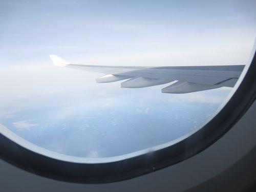 中年男子が人生を謳歌する!世界を旅するフリーな一級建築士増山大のブログ-飛行機